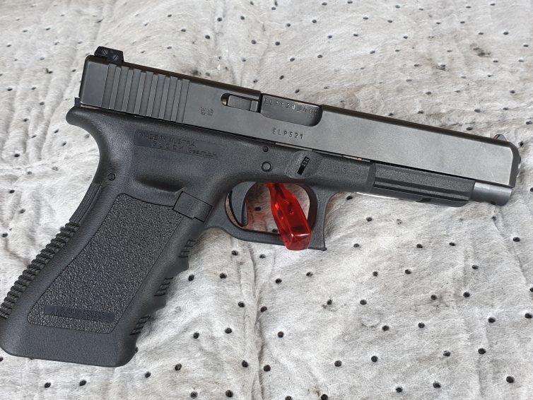 Klubbens Glock 34 ska säljas. –  Lägg ett bud!